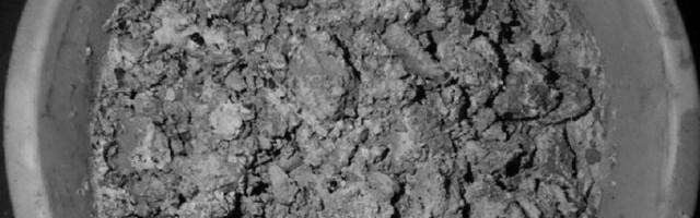 Nghiên cứu chuyển hóa đồng kim loại trong bã kết tủa đồng từ dây chuyền sản xuất kẽm thành các hợp chất dễ tan